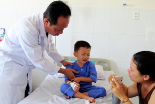 Cấp cứu thành công cháu bé 4 tuổi bị viêm ruột thừa đã vỡ mủ